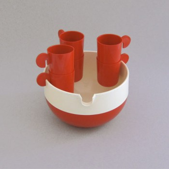 Bowl with cups